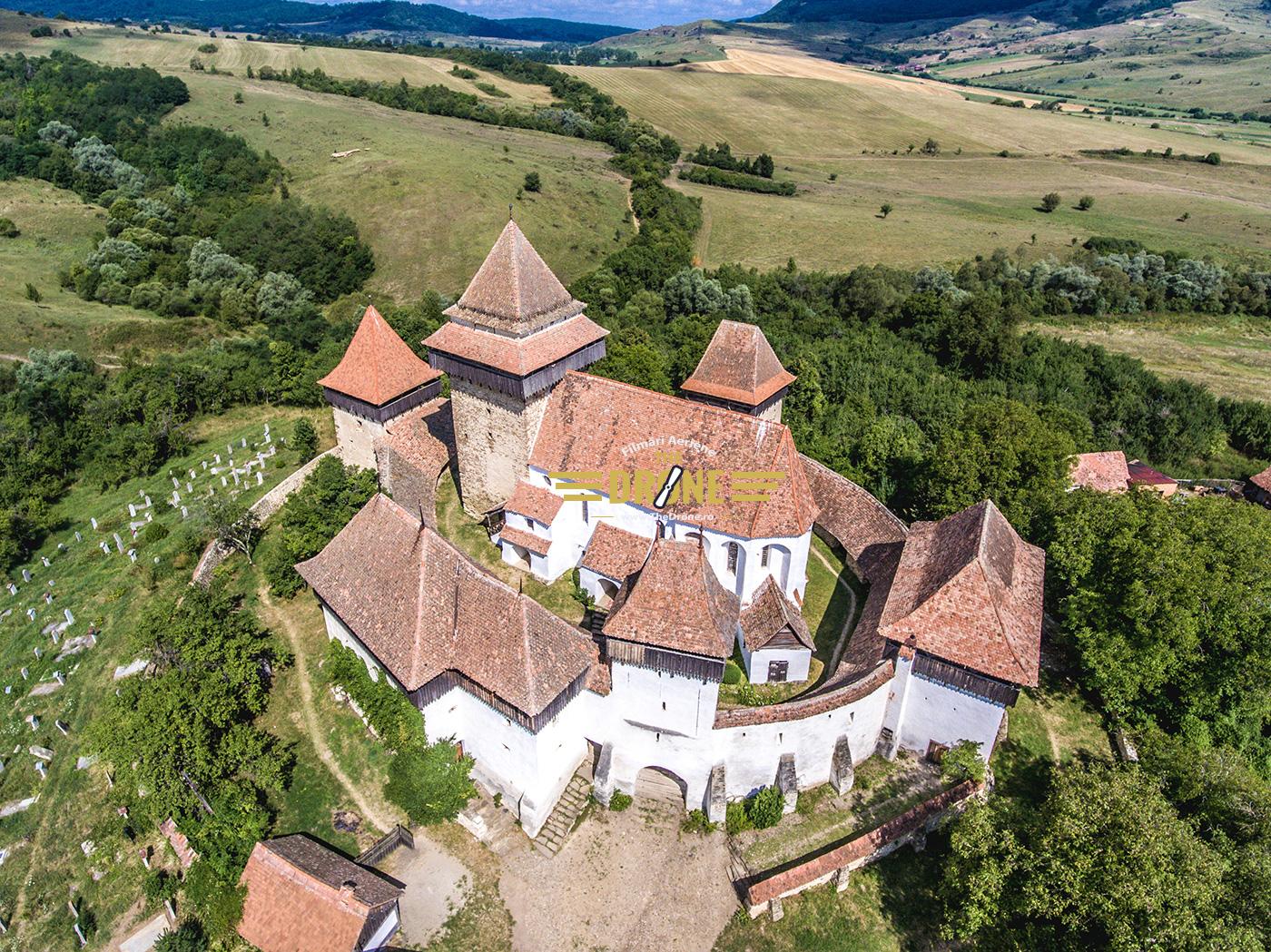 viscri-biserica-fortificata-foto-aerian11