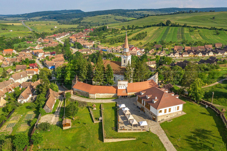 Satul Crit si Pensiunea Casa Kraus